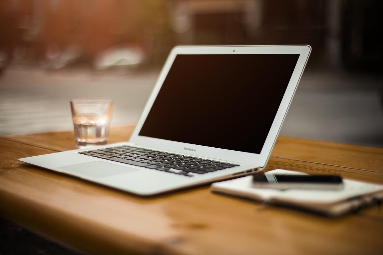 Home-Office (Unsplash, pixabay.com)